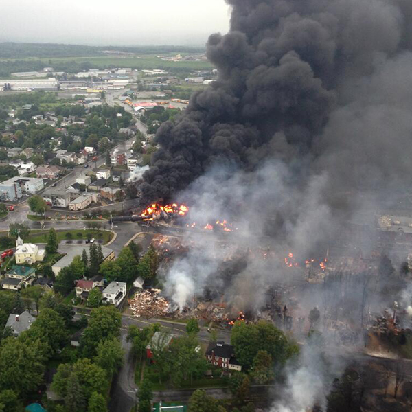 Lac-Mégantic fire on the day of the train derailment