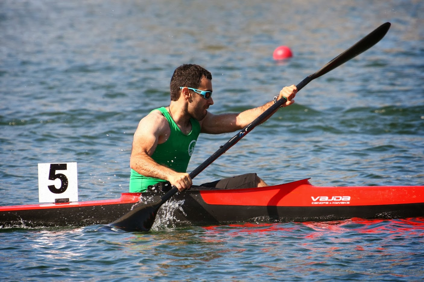 Ali Nematollahi in kayak