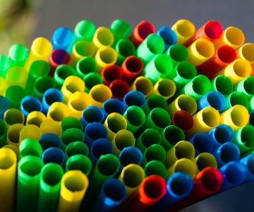 Straws are a common single-use plastic. Image © Andreas Steidlinger, iStockPhoto.com